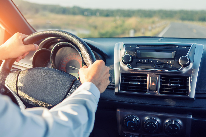 「左ハンドル」の中古車を自社ローンで購入した方の車両価格相場と口コミ(体験談)