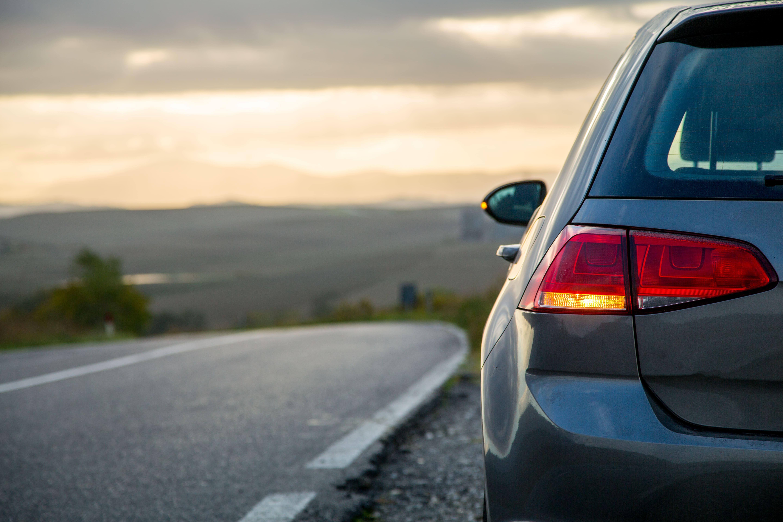 「エリシオン」の中古車を自社ローンで購入した方の車両価格相場と口コミ(体験談)