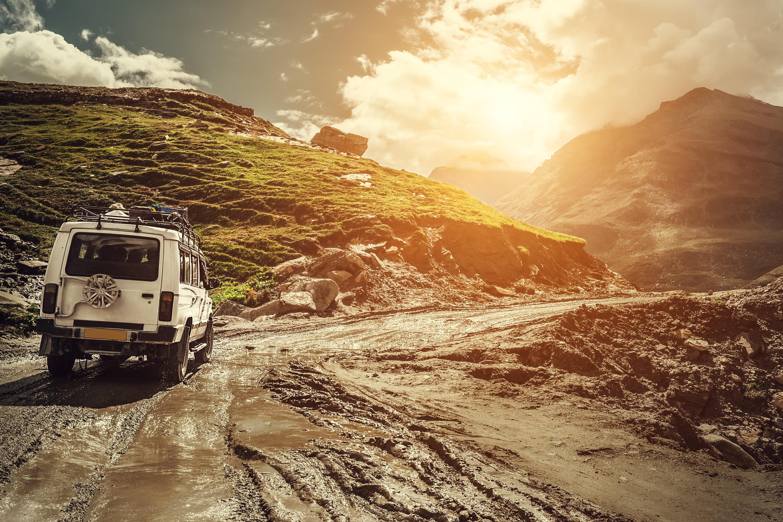 「SUV」の中古車を自社ローンで購入した方の車両価格相場と口コミ(体験談)