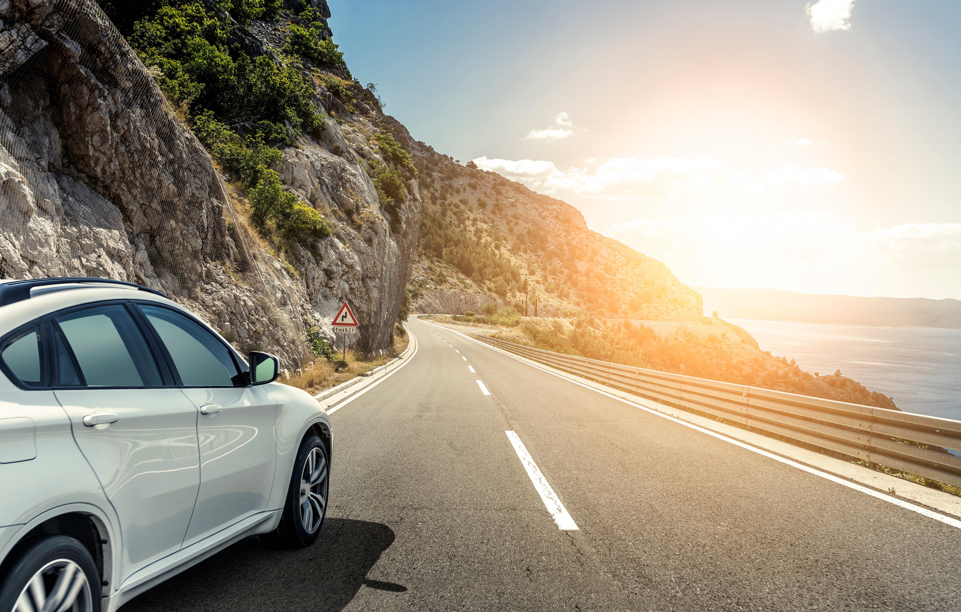 「ステラ」の中古車を自社ローンで購入した方の車両価格相場と口コミ(体験談)