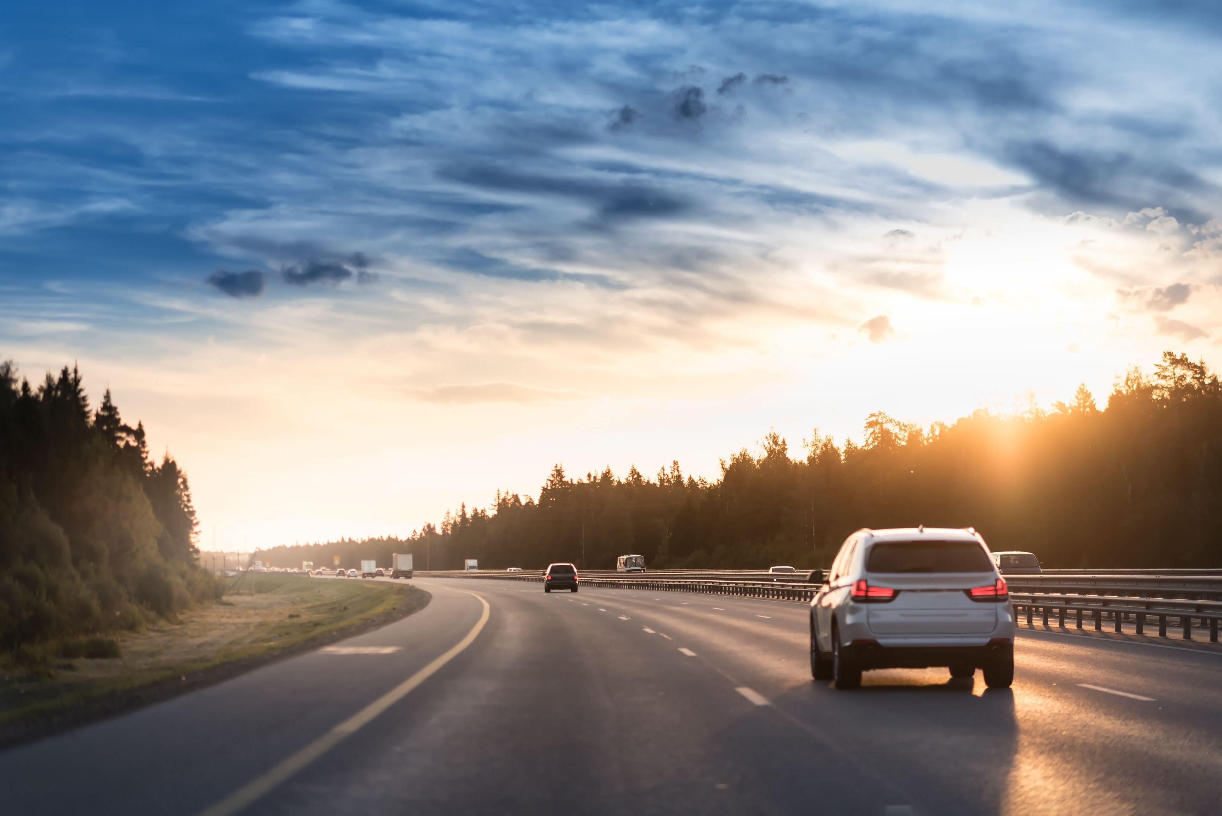 「スイフト」の中古車を自社ローンで購入した方の車両価格相場と口コミ(体験談)
