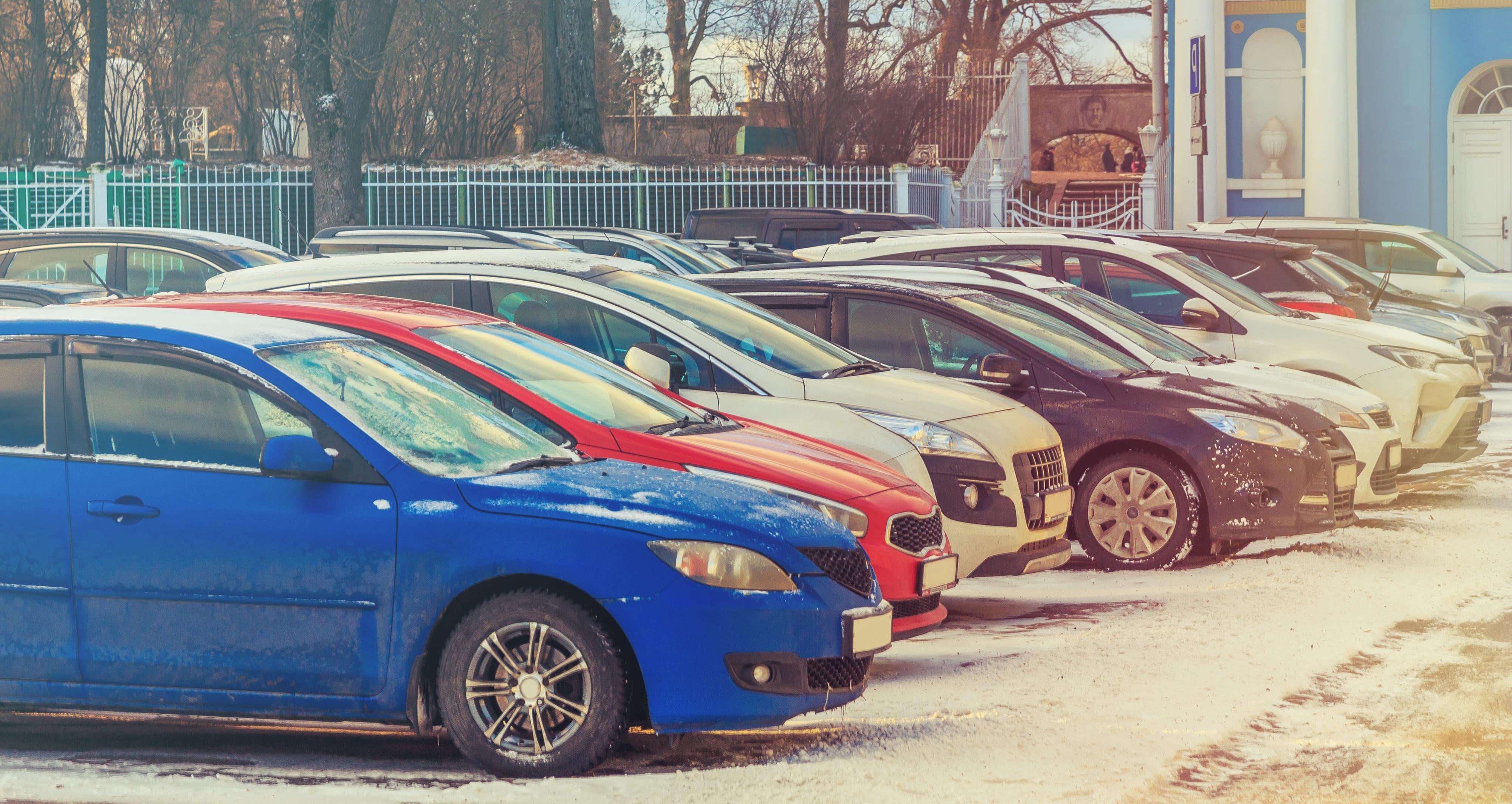 「フィット」の中古車を自社ローンで購入した方の車両価格相場と口コミ(体験談)