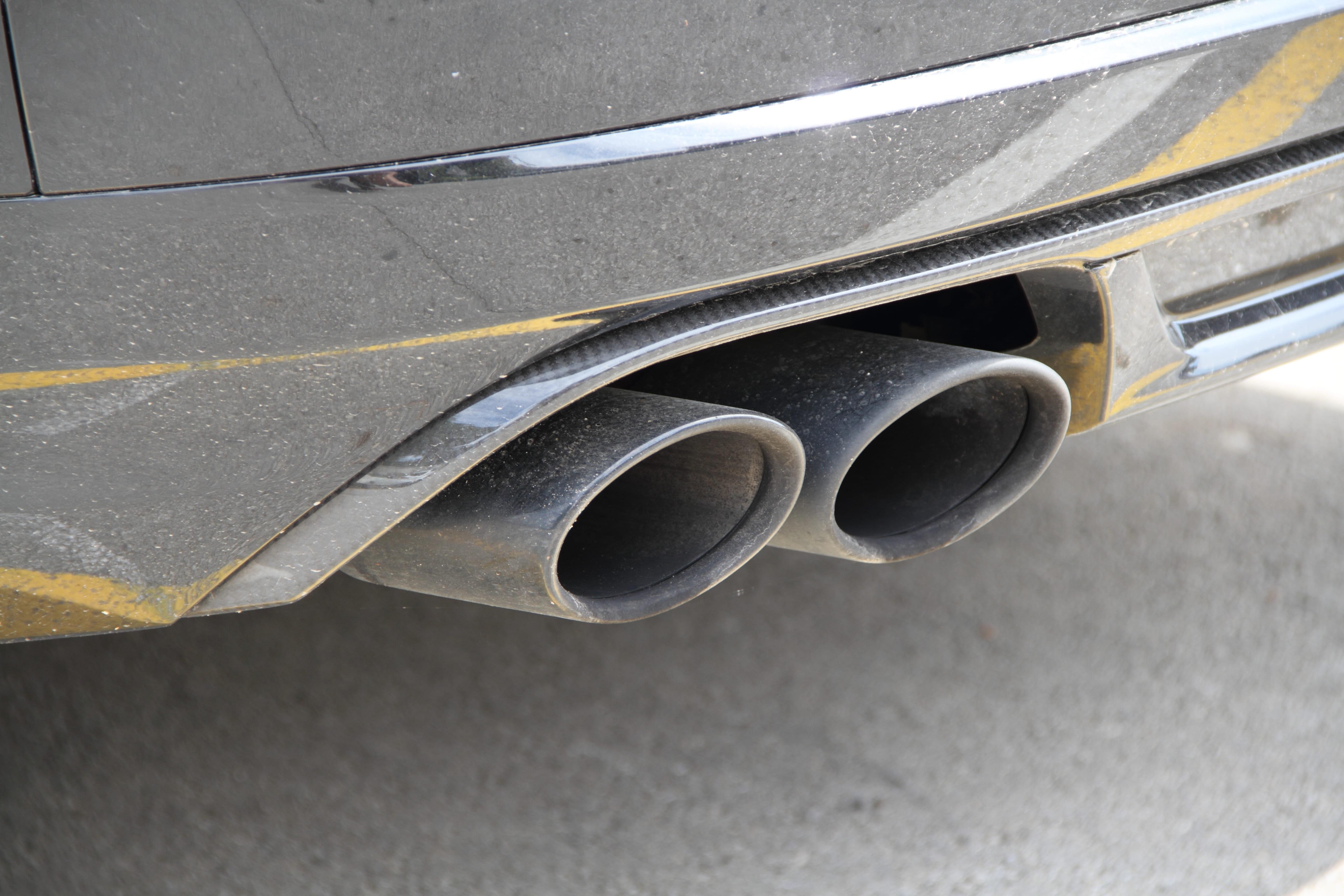 「アウトバック」の中古車を自社ローンで購入した方の車両価格相場と口コミ(体験談)